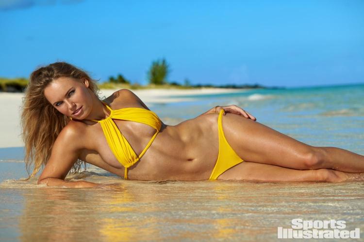 Прелестната Вожняцки краси новия брой на Sports Illustrated