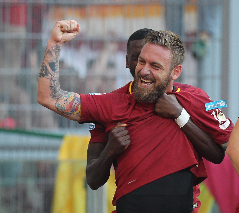 Тоти се сбогува с феновете на Рома