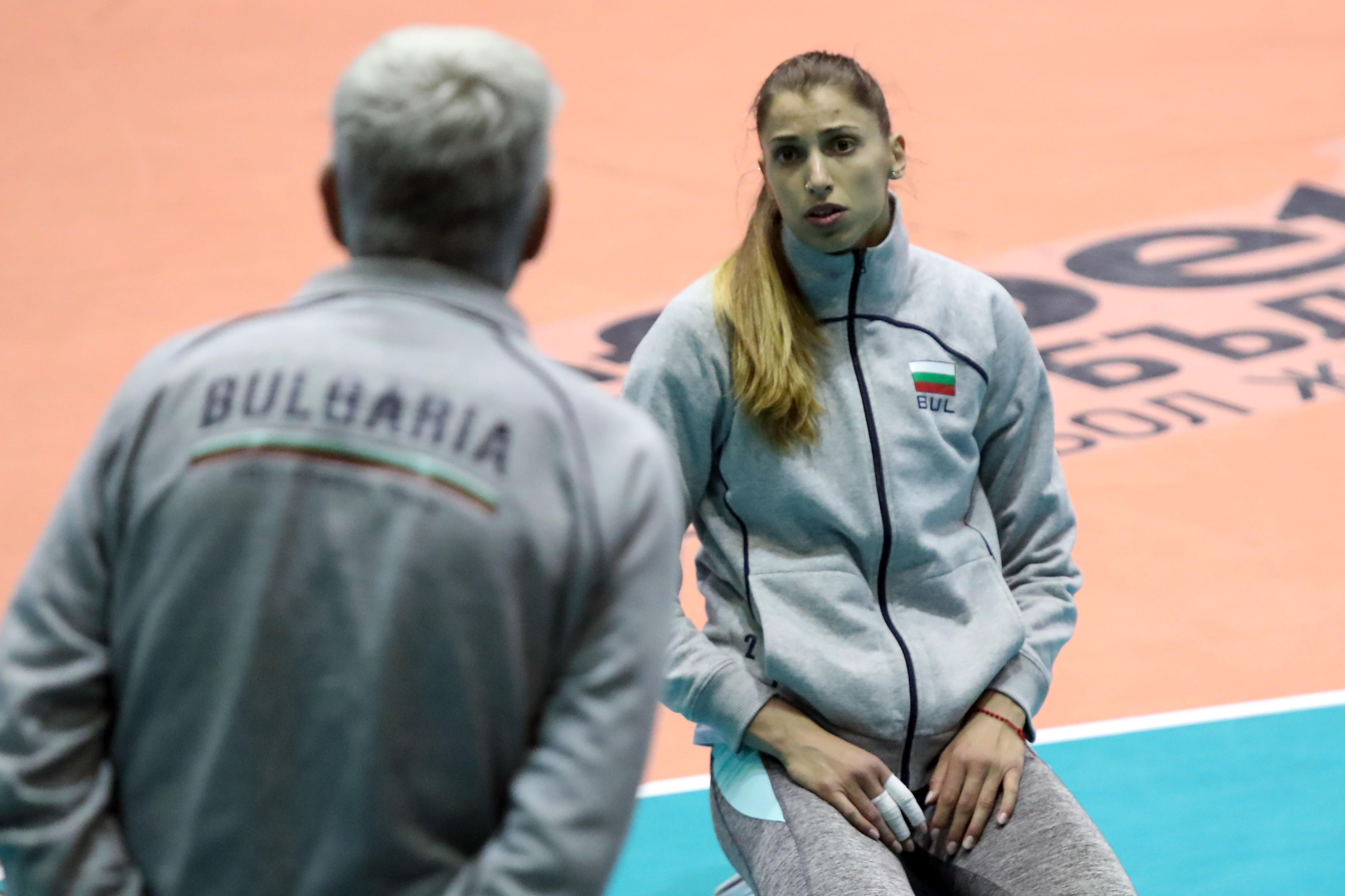 Тренировка на националния отбор по волейбол