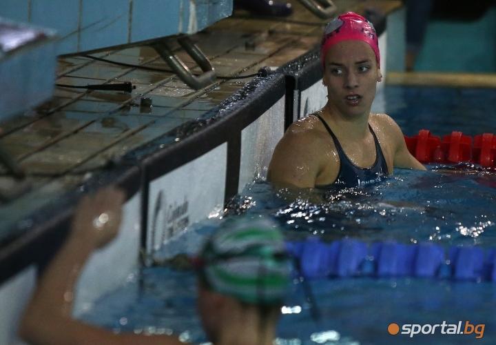 Финали от третия ден на Държавното първенство по плуване в малък басейн