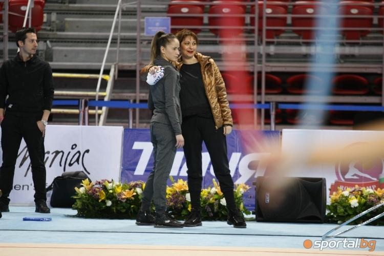 Тренировка на националния отбор по худ. гимнастика преди СК в София