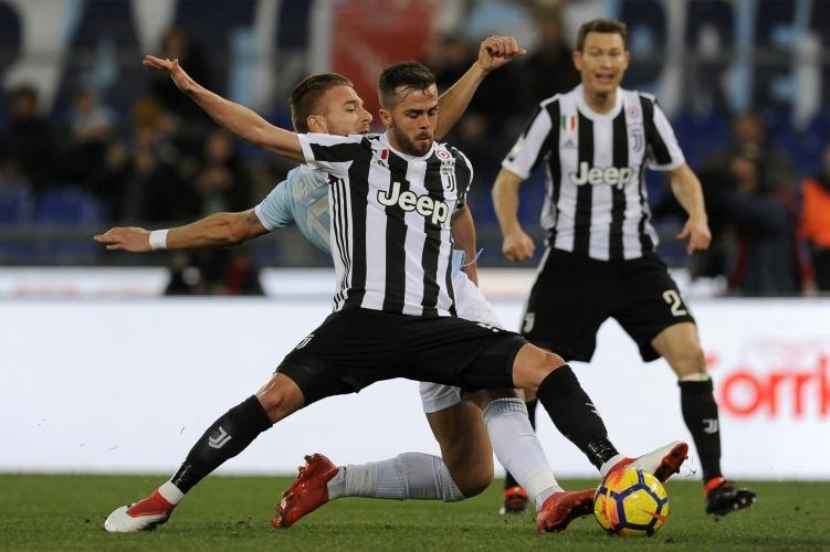 Дибала и Ювентус покосиха Лацио в последната секунда
