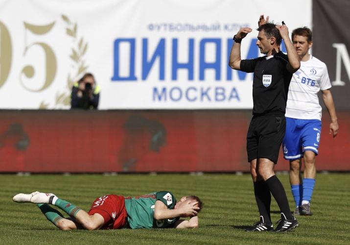 Локо (Москва) разби Динамо и остава начело