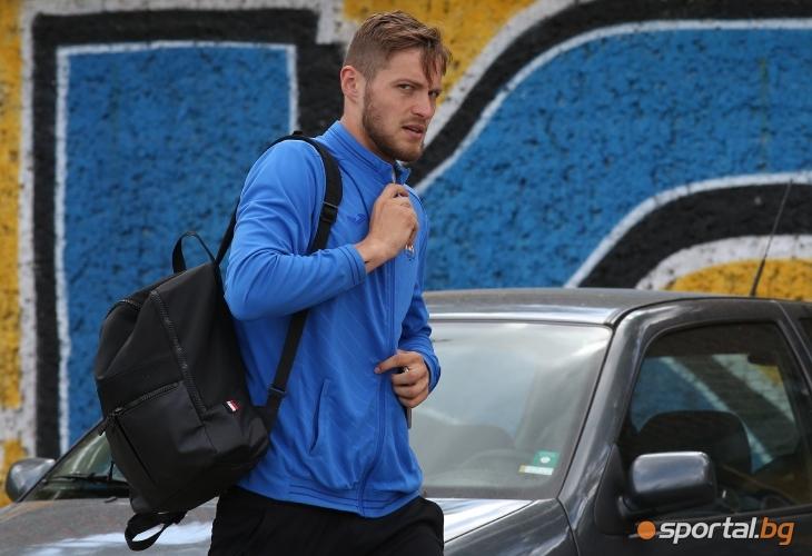 Футболистите на Левски се подготвят за тренировка