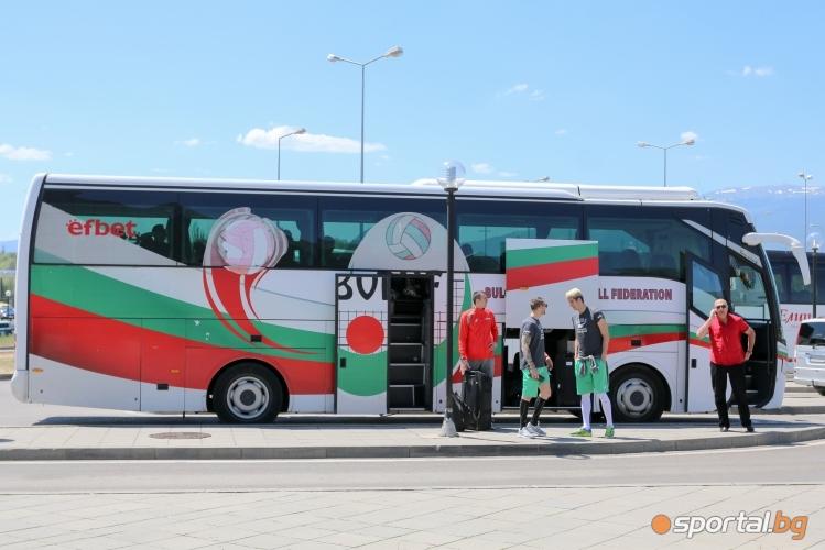 Националният отбор по волейбол се прибира от Китай