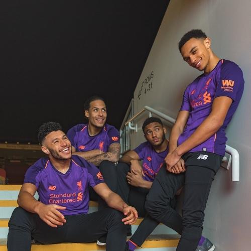 Новият екип за гостувания на Ливърпул