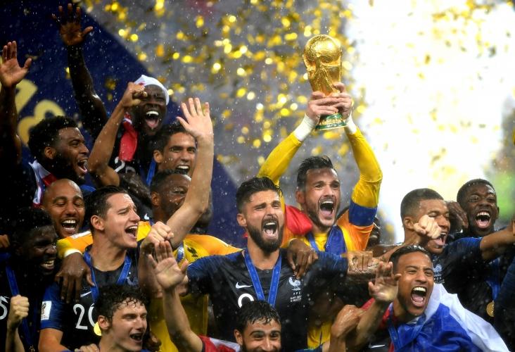 Награждаването на новия световен шампион и връчването на всички индивидуални награди