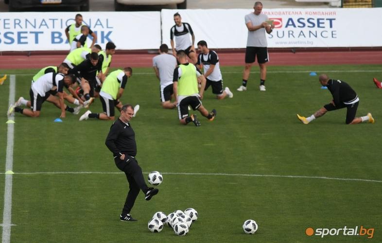 Тренировка на Славия преди мача с Хайдук (Сплит)