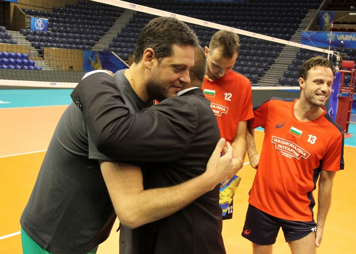 Бойко Борисов посети волейболните национали във Варна
