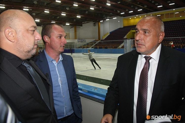 """Бойко Борисов и Красен Кралев посетиха обновения """"Зимен сворец"""""""