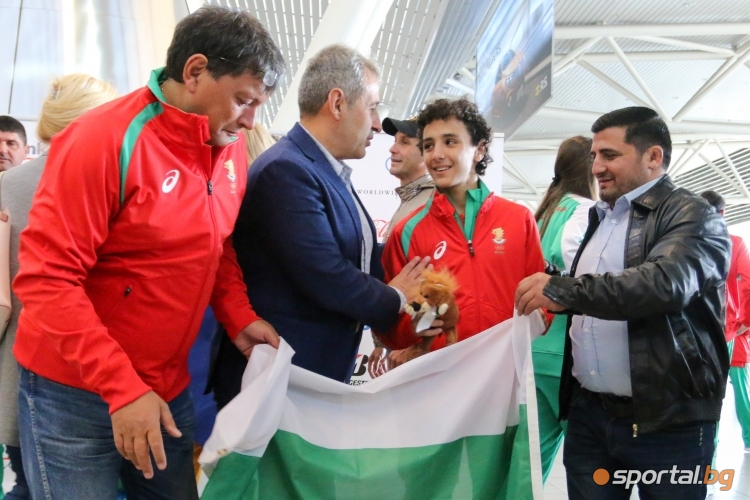 Българската делегация отпътува за младежките олимпийски игри