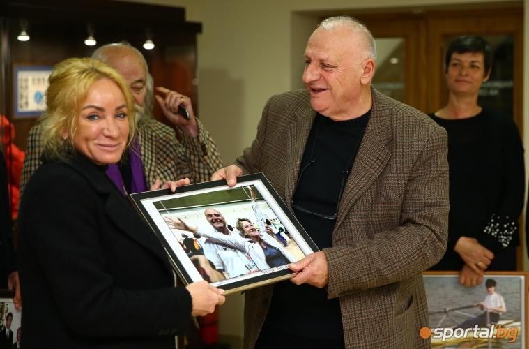 "Бончук Андонов откри Фотоизложбата ""Моят Стадион, моят Старт"""