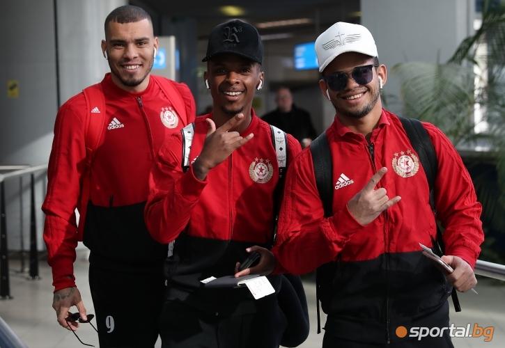 Футболистите на ЦСКА - София заминаха за Испания