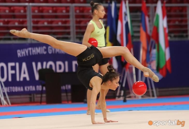 Подиум тренировка на Невяна Владинова и Катрин Тасева