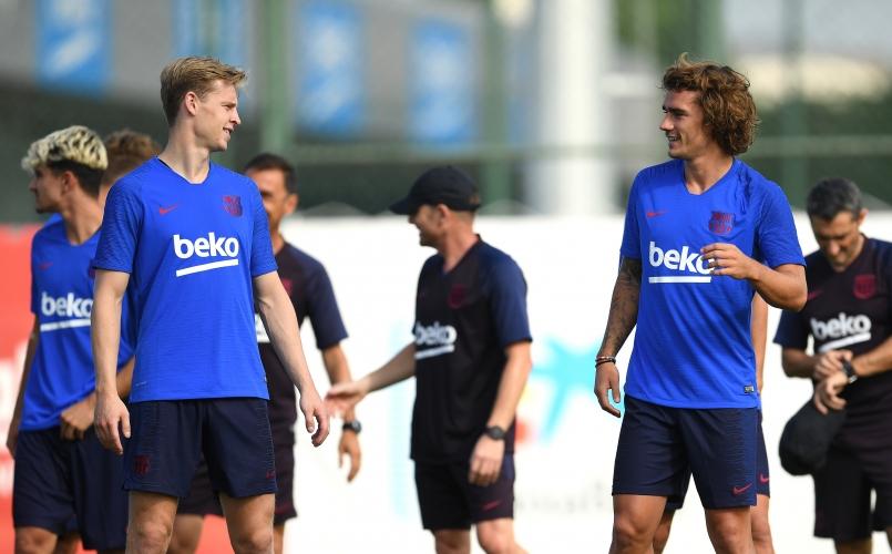 Гризман и Де Йонг направиха първа тренировка с Барселона