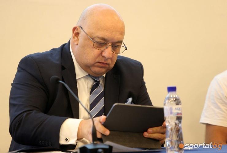 Дискусия за превенция срещу зависимостите с участието на министър Кралев