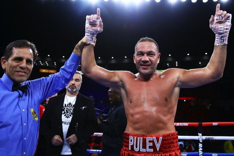 Кубрат Пулев с категорична победа над коравия Букър в Калифорния