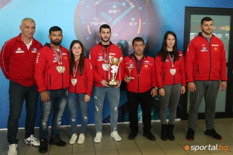 Щангистите се прибраха от турнира в памет на Наим Сюлейманоглу