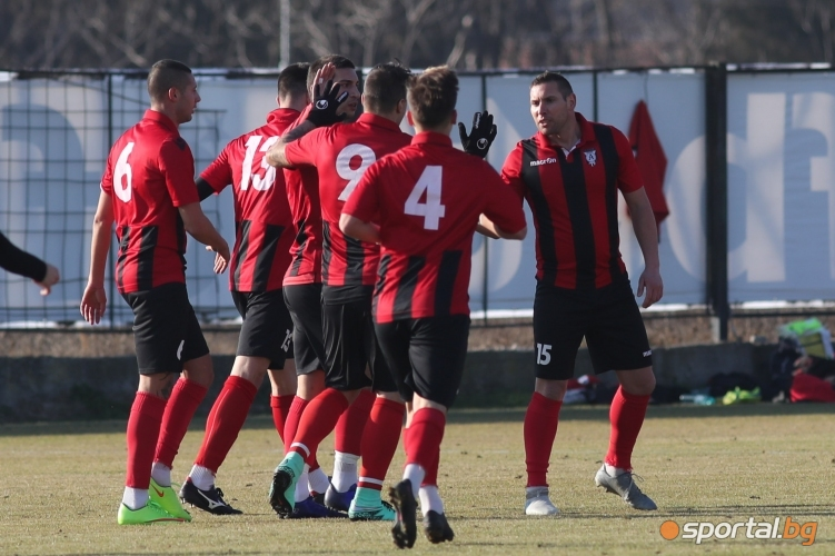 Локомотив (Пловдив) - Атлетик (Куклен)