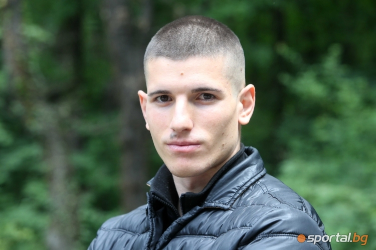Дани Наумов