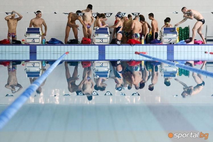 Тренировка на националите по плуване