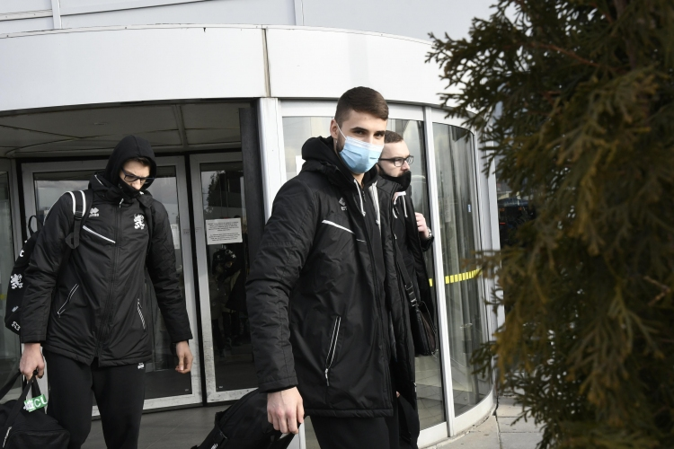 Волейболните национали са завърнаха в София