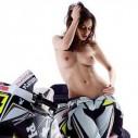 Playboy и голи мацки ще помагат на Хонда