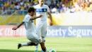 Италия излъга Уругвай в страхотен мач и драма с дузпи