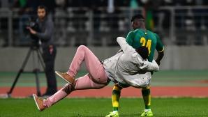 Африкански хулигани прекратиха Сенегал - Кот д'Ивоар край Париж