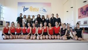 """""""Златните момичета"""" се срещнаха с част от артистите, които ще участват на шоу-спектакъла в """"Арена Армеец"""""""