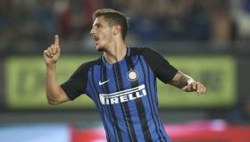 Стеван Йоветич отбеляза гола за победата на Интер с 1:0 над Лион