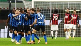 Интер повали Милан в запомнящ се спектакъл