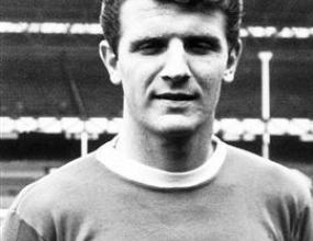 Легенда на Евертън почина на 66 години