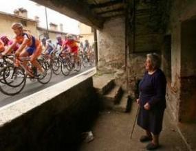 Пиеполи спечели 17-ия етап от колоездачната обиколка на Италия