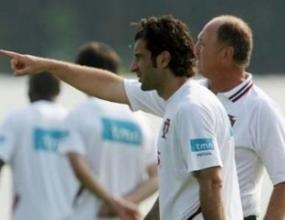 Фиго няма намерение да напуска националния отбор