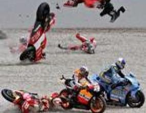 Трима мотоциклетисти ранени след Мoto GP в Барселона