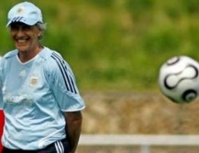 Пекерман: Аржентина има потенциал, но е рано да говорим за титлата