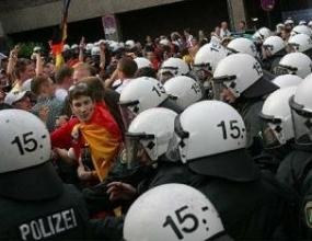 45 хулигани задържани след Германия – Еквадор