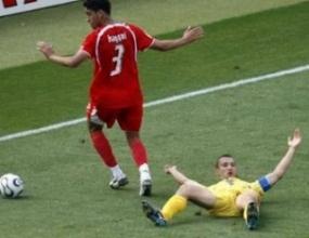 Защитник на Тунис нападна Шевченко