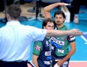 Николай Иванов титуляр за Ястжибски Вигел срещу Олјчин