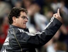Реал глобява Капело за средния пръст