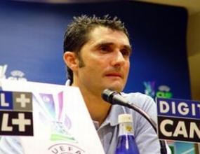 Треньорът на Еспаньол преподписа до 2009
