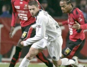Капитанът на ПСЖ Арман остава в клуба до 2011