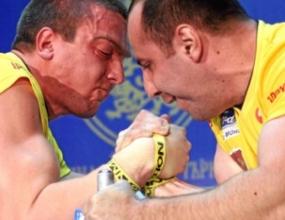 Димитър Юлев спечели четвъртия кръг от професионалната лига по канадска борба