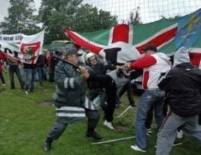 Съдът във Вилнюс даде по 10 и 15 денонощия в ареста на двама полски футболни хулигани