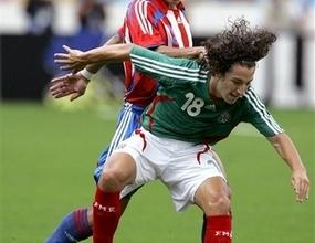 Депортиво взе мексикански национал