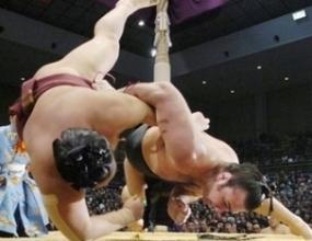 Котоошу с трета победа в Нагоя