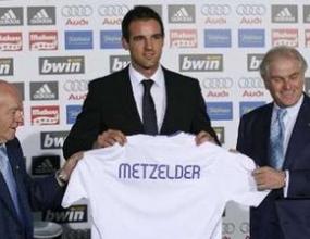 Реал представи официално Метцелдер