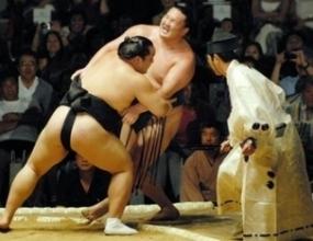 Наказаха Асашорю да не участва в следващите два големи турнира