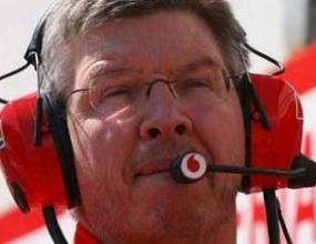 Браун отрича твърденията на Степни